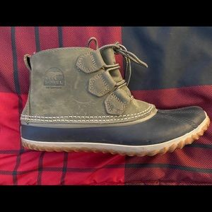 Sorel Out N About Shortie Boot Sz 8.5 Fits 7.5-8